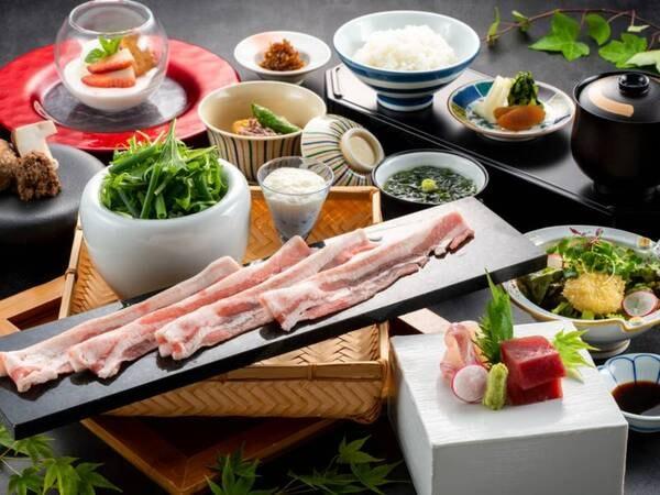 豊後水道で獲れた魚介を中心に、四季折々の素材も持ち味を活かした繊細な和のお料理を愉しめる会席(例)
