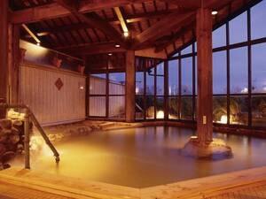 【大浴場・紅殻之湯】ノスタルジックな佇まいの湯