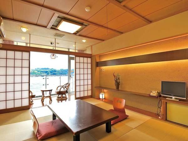 【客室/例】川を眺める客室へご案内。追加料金でお部屋食も可能!