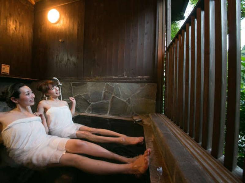ヒノキ風呂「宝の湯」(バリアフリー対応)