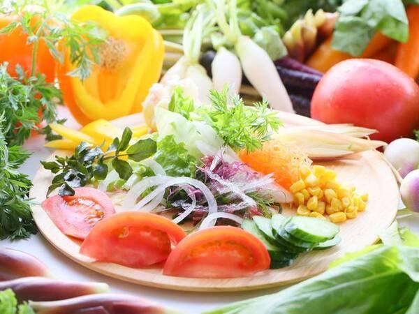 新鮮サラダでヘルシーに♪ イメージ