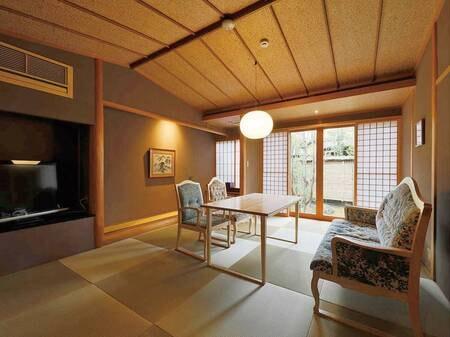 【離れ特別室(10畳+8畳)/例】落ち着いた静寂な佇まいの中で、心落ち着く悠々とした時間を。