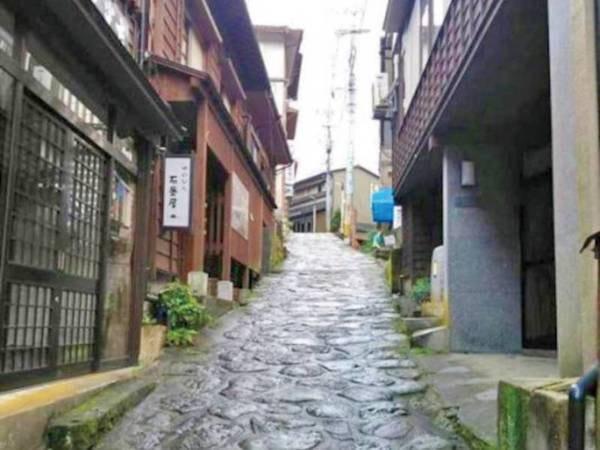 【周辺】湯平温泉の石畳
