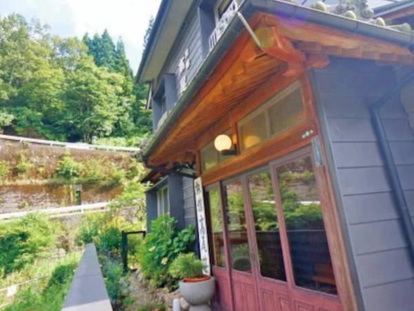 【玄関】レトロな雰囲気を感じさせる玄関