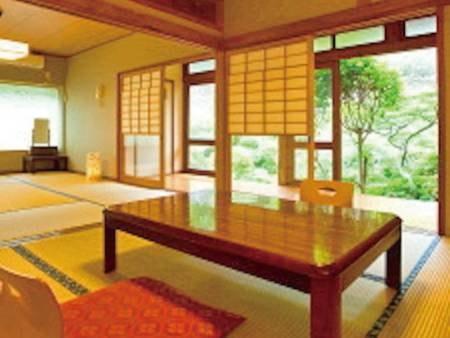 昭和レトロの面影を残す和室でお部屋は1階/客室例