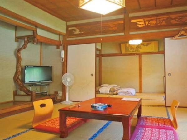 当館で一番広い昭和レトロの面影を残す和室14畳/例