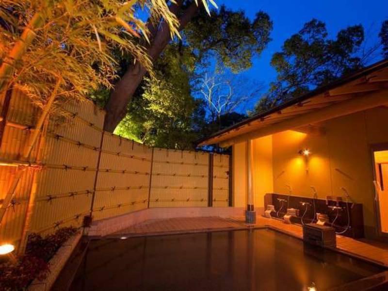 【貸切家族風呂】源泉かけ流しの湯を贅沢に独り占め