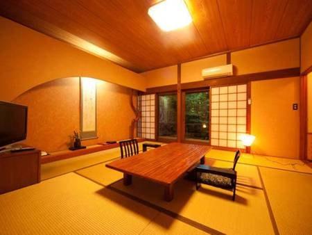 【くすのき/例】ゆったりとした和室10畳+4.5畳