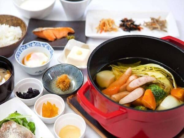 【朝食/一例】ソーセージと野菜のポトフの和朝食