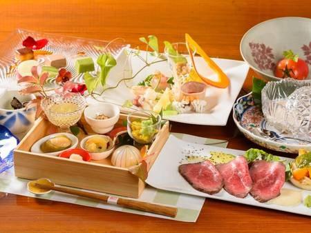 【夕食/一例】 季節を彩るお料理。月毎にかわるお品を楽しみにリピーター様が足を運んで下さいます。※時季・仕入れ状況により変更あり