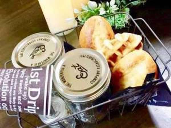 【軽めの朝食/例】パン・スープ・サラダ等