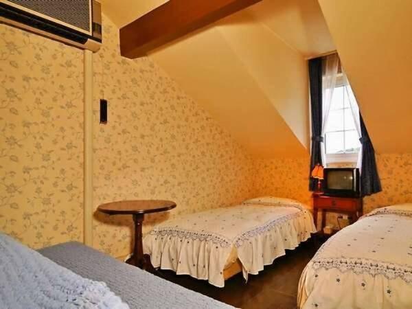 ツインルーム~屋根裏部屋風/一例
