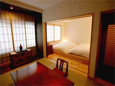 和モダン ツインベッド+次の間琉球畳付客室/一例