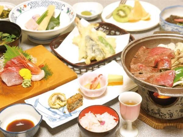 【夕食/例】季節の旬の食材を使った和食膳をお部屋にご用意