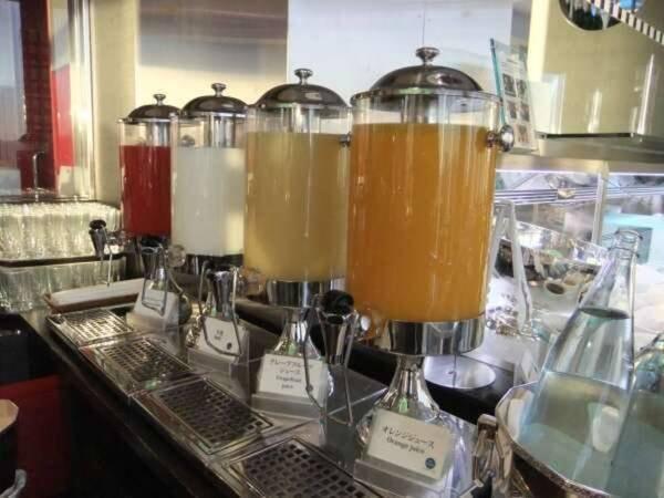 【朝食/例】おいしい牛乳やジュースをご用意