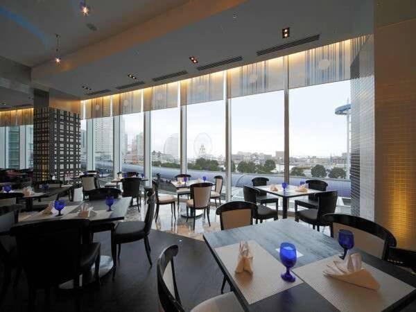 レストラン「THE sea」