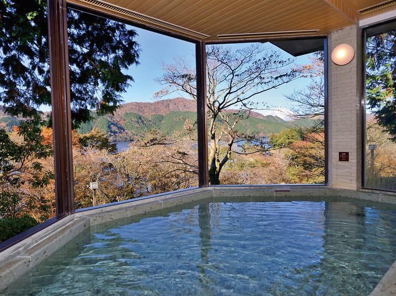 本館露天風呂(男性)四季折々の箱根を満喫しながら蛸川温泉を楽しめる