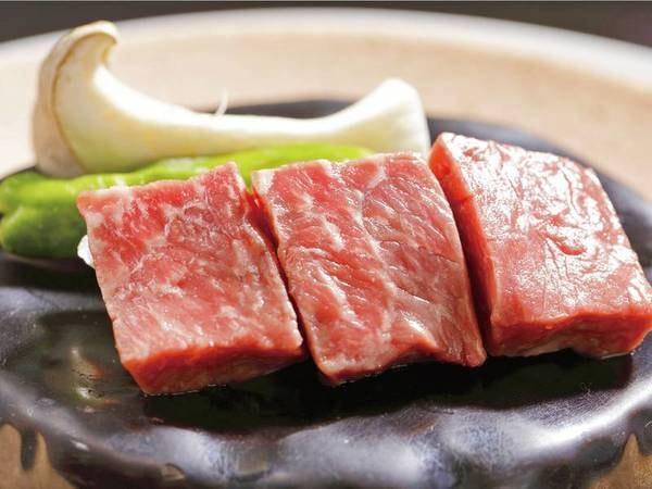 【和牛ステーキ/例】柔らかく旨味たっぷりの和牛を好みの焼き加減で味わえる