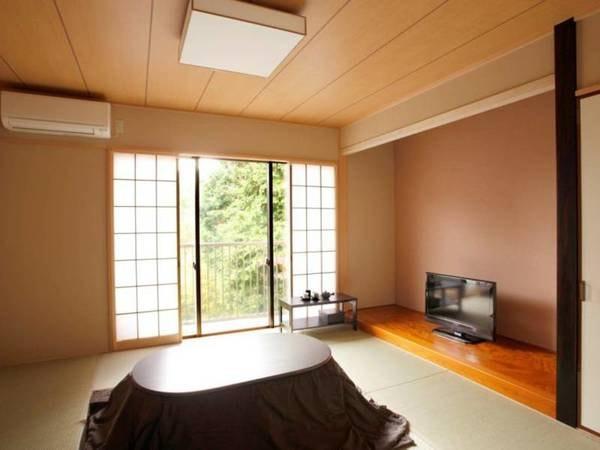 和洋室(和室8畳+ダブルベッド 35㎡)
