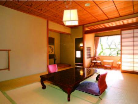 広さ10畳の和室でゆったりと寛ぐ(一例)