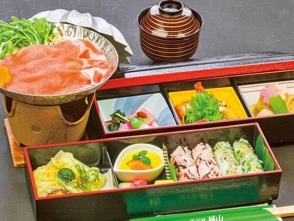 【お部屋でお弁当プラン/例】小鍋付の2段重(お弁当)