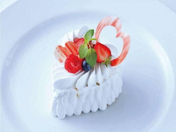 【特典/例】パティシエ特製ケーキ(ハート型選択時)