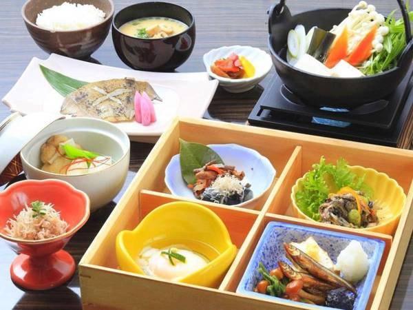 【朝食/例】旬の地物を活かした和定食