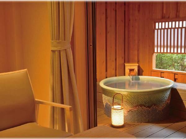 【露天風呂付和室/例】10畳和室+ウッドデッキに専用の露天風呂を備えた客室