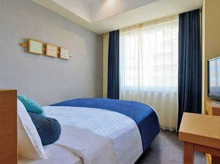 【客室/例】14㎡、ベッド幅140cmと手狭ですが価格魅力なお部屋