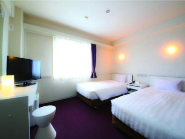 広さ16~18平米でベッド幅100~110cmのツインルーム(例)