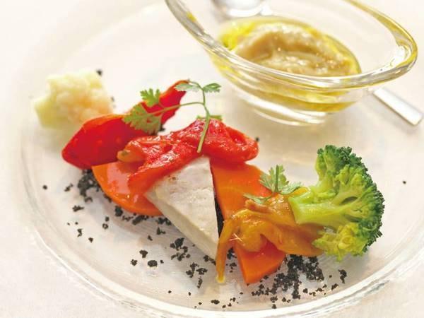 【夕食/例】前菜とメイン料理&ハーフビュッフェ
