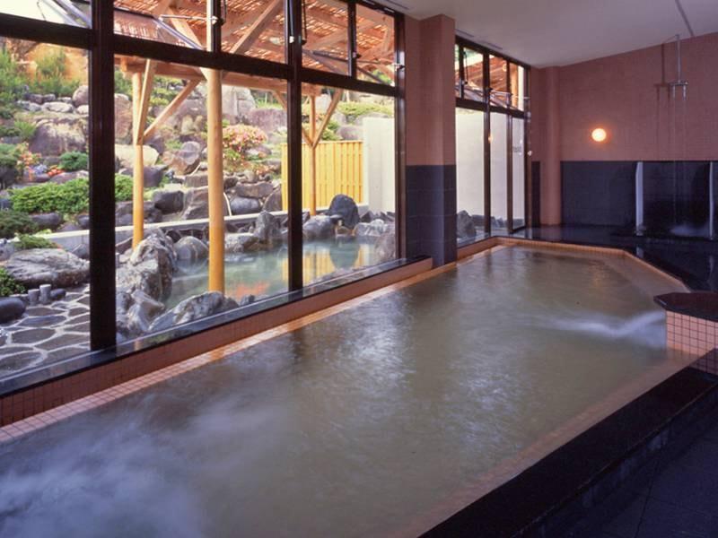 【殿の湯】露天風呂併設の大浴場