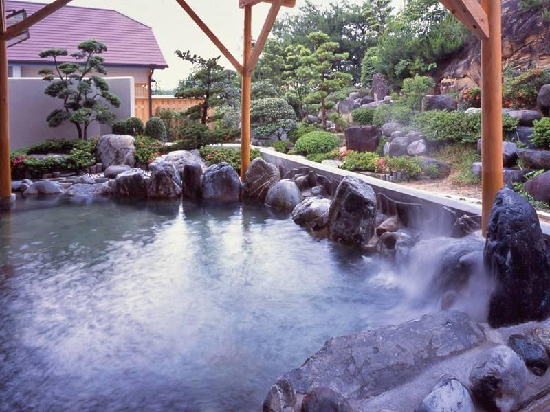 【姫の湯】潮騒を感じる露天風呂