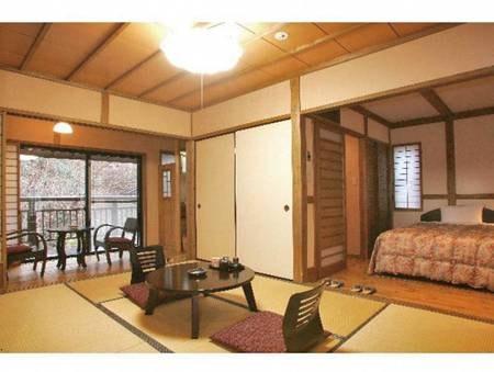 【花和洋室/例】平成19年にリニューアルした花の舎に2部屋しかない和洋室。8畳和室と洋室ツインが二間続きになっている