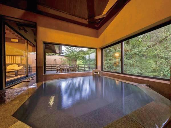 【客室半露天風呂/例】それぞれ異なる設えのお風呂付