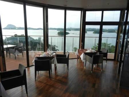 【レストラン/例】天草の海と島々を見渡す最高のロケーションレストラン