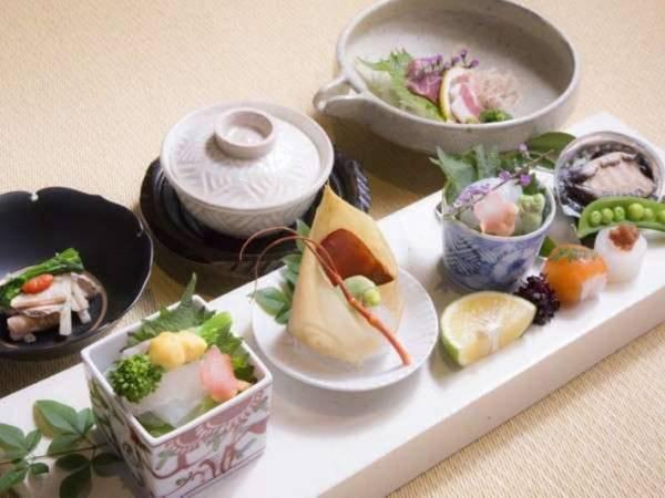 【夕食/例】質の高い食材を使用した料理の数々