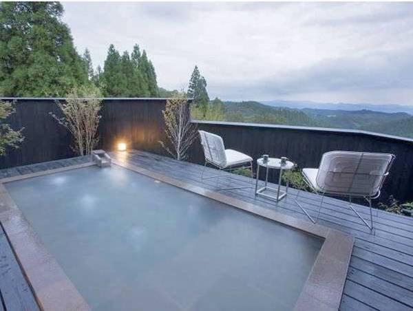 【風待 kazemati/例】露天風呂からは阿蘇の山々を眺める