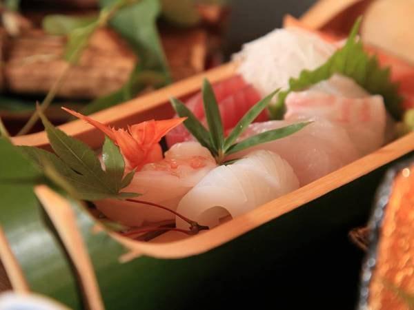 【グレードアップ料理/一例】熊本の郷土料理を盛り込んだ四季替わり会席料理を堪能ください