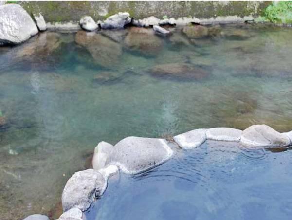 【川ん湯】川の音を聞きながらゆっくりとどうぞ