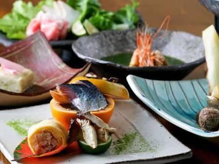 【料理一例】熊本・水俣・湯の鶴の豊かな食材を使い、当館ならではのアレンジで創作会席として楽しめる