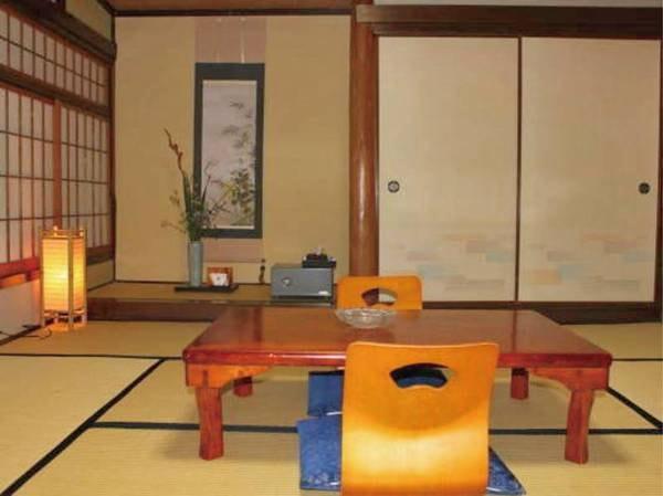 【和室8畳ワイド】お縁が広く家族でゆったり過ごすにはピッタリのお部屋