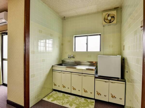 *【ひろびろルーム】キッチンもご自由にお使いください。
