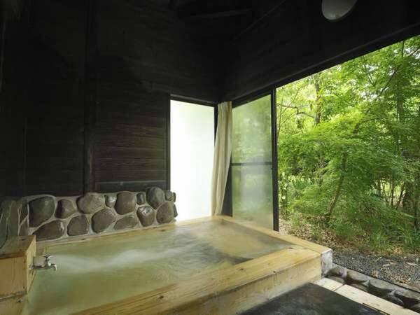 【檜の半露天付離れ/例】客室露天風呂