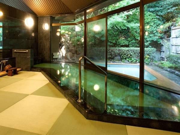 【玉名温泉 山もみじの宿 八芳園】2500坪もの広大な敷地に佇む、たった全12室の老舗旅館。全室「半露天風呂」付き&「お部屋食」でプライベートなくつろぎを。