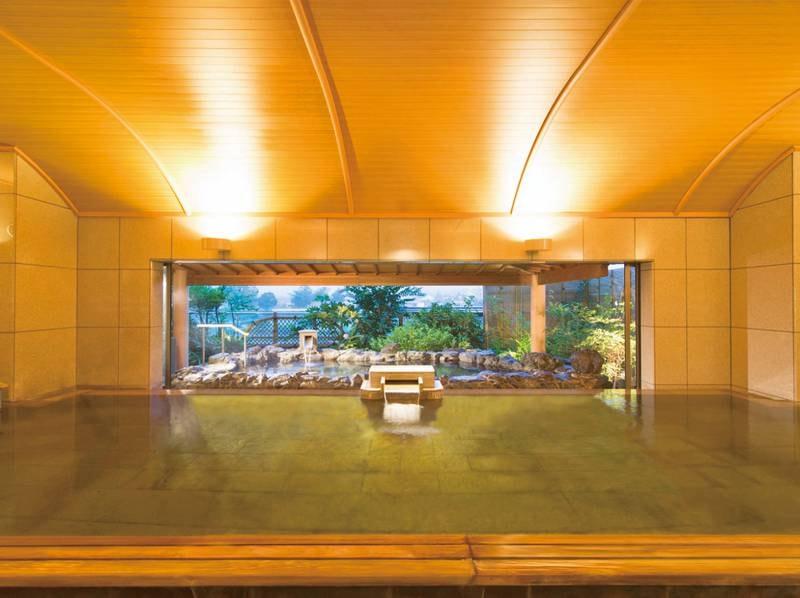 3階 露天・大浴場「山並みの湯屋」