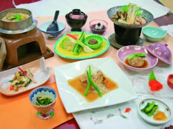 【夕食/例】季節の鍋、豚の角煮等