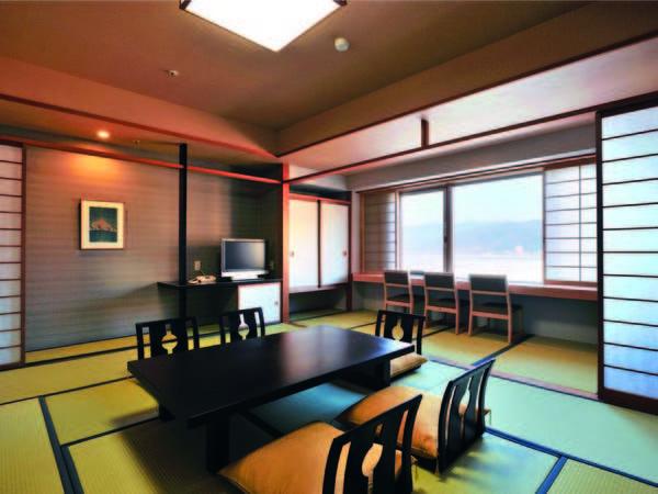 【和室/例】10畳和室より諏訪湖を一望