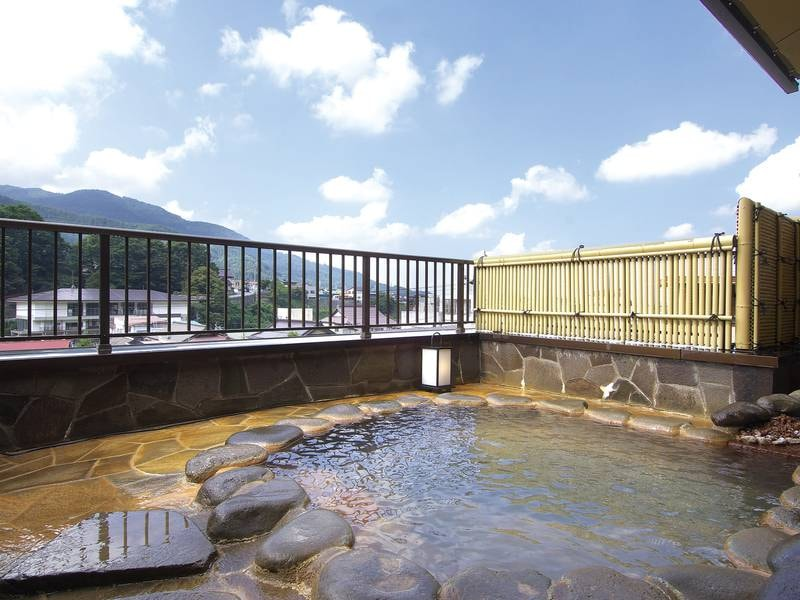【男性浴場/牽牛(けんぎゅう)】空気が澄んでいる日は星空を眺めることができます