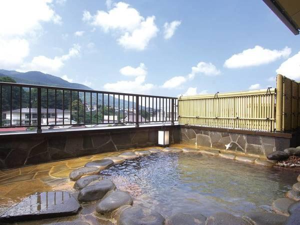 【一乃湯 果亭】【果亭だけのブレンド温泉が魅力! 最上階露天風呂から望む温泉街の美しい景色と全館畳敷きに癒される。
